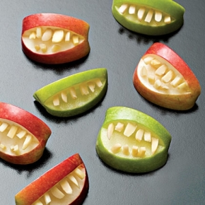 apple-bites-halloween-recipe-photo-420-FF1007EFCA01